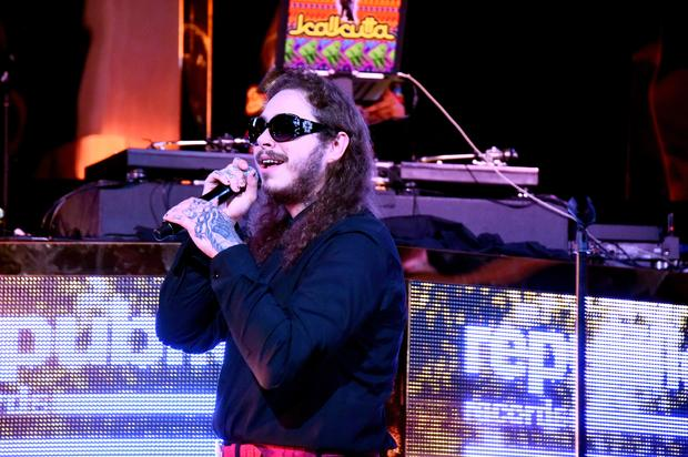 """Post Malone Apologizes For """"Beerbongs & Bentleys"""" Delay"""
